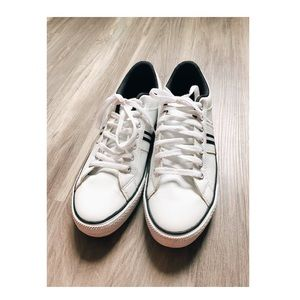 Converse white sneakers size 9 mens NWOT